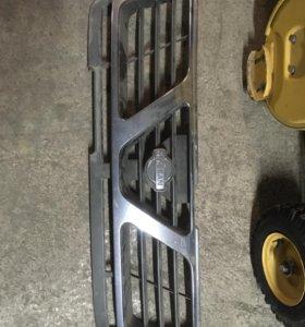 Решетка радиатора Nissan Safari y61