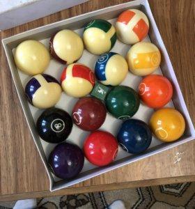 Бильярдные шары для пула.