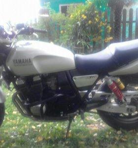 Ymaha XJR 400