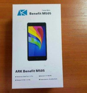 Продам телефон ARK M505