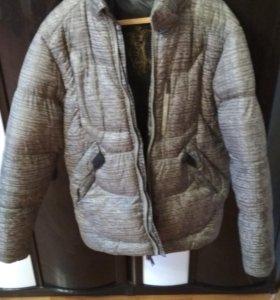 Теплая зимняя куртка, 2 раза одевали.