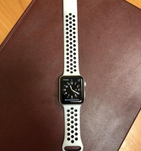 Apple Watch 3 серии Nike + 42 мм