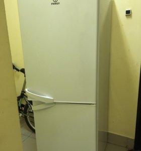Отличный Холодильник