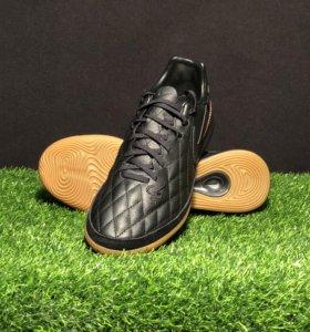 Футбольная обувь Nike TiempoX R10 для зала