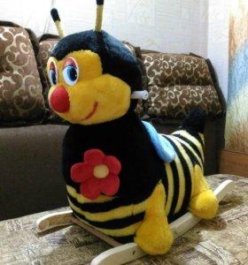 Пчёлка-качалка 😊