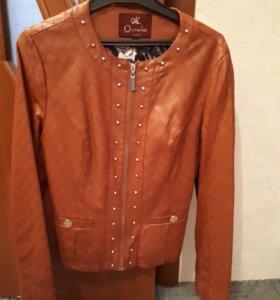 Куртка,ветровка,пальто