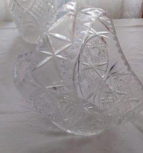 Хрустальная ваза с ручкой