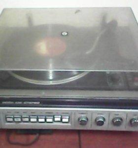 Проигрыватель виниловых пластинок Вега 109