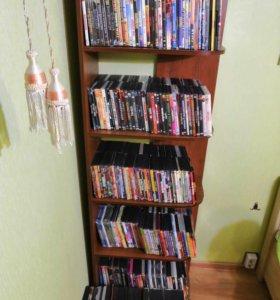 Большая коллекция фильмов на DVD.
