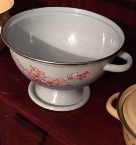 Эмалированная металлическая посуда