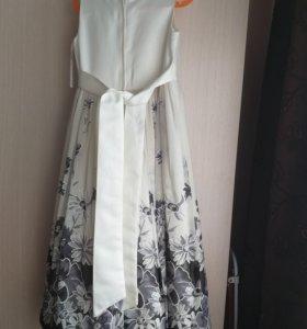 Праздничное платье 6-7 лет