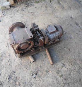 Редуктор мотор для лифта