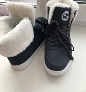Кроссовки ботинки тёплые новые