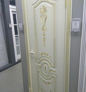 Дверь слоновая кость с патиной золото