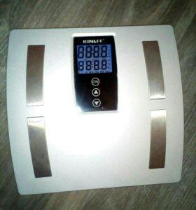 Весы электронные сенсорные напольные.