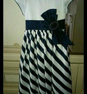 Платье в тёмно-синюю полоску