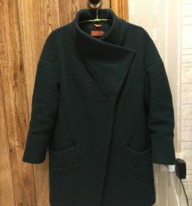 Пальто шерстяное итальянское