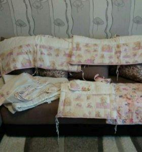 Бортики для детской кроватки + одеялко.