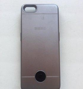 Чехол -зарядка для iPhone 5 и 5s
