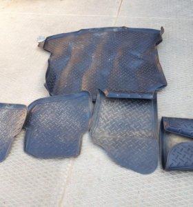 Комплект оригинальных автом-ных ковриков V Polo