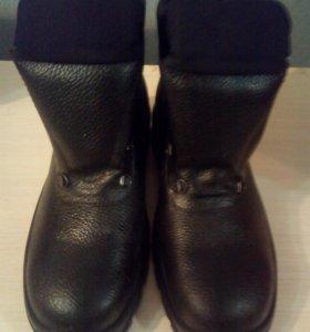 продам новую рабочую обувь