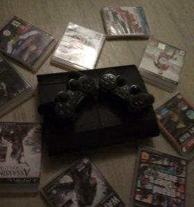 Playstation 3 superslim. С двумя геймпадами