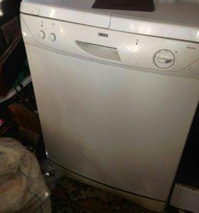 Продам рабочую посудомоечную машинку занусси