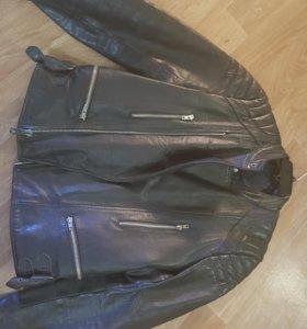 Куртка кожаная для мотоциклиста