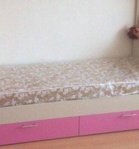 Кроватка детская. С матрасом.кровать
