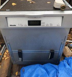 На детали Посудомоечная машина Miele G 2730 SCi