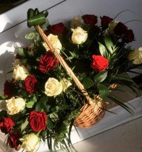 Требуется продавец -флорист в цветочный павильон