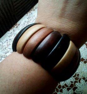 Деревянный браслет безразмерный,винтаж