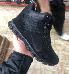 Новые кроссовки.зима