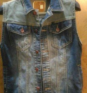 Жилет джинсовой новый