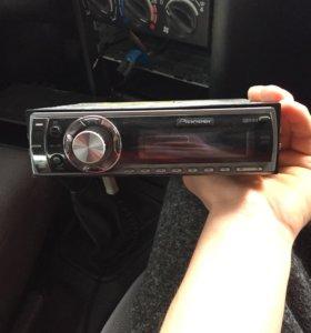Продам магнитофон pioneer DEN-P4900IB