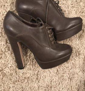 Ботинки размер 37,5