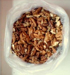 Грецкий орех сухой чищеный.
