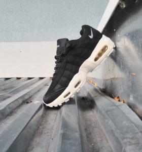 Кроссовки Nike AM 95