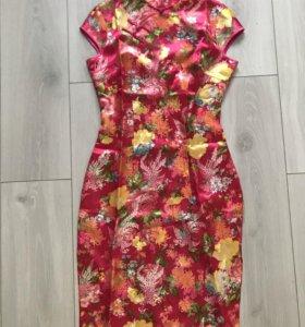 Платье шёлковое с вышивкой