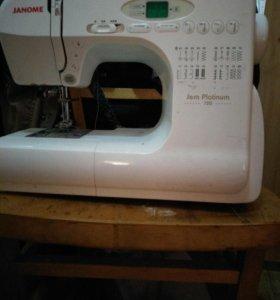 Швейная машинка Janome Platinum JP 720
