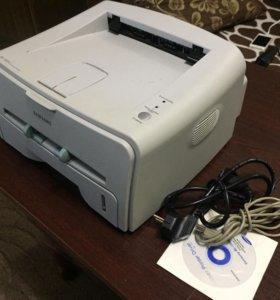 Надежный лазерный принтер Samsung 1520P