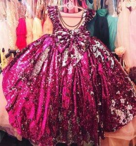 Изумительное платье в пол ручной работы ( новое)