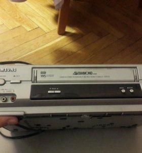 Видеомагнитофон SAMSUNG SVR-653