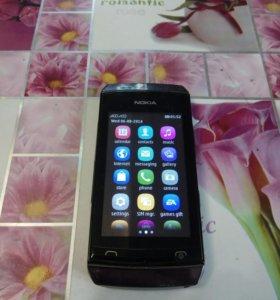 телефон Nokia сенсорный с чехлом