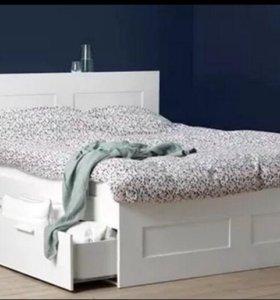 Кровать двуспальная с матрасом и изголовьем