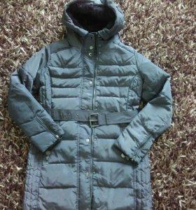 Фирменное пуховое пальто