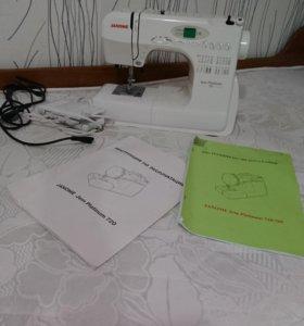 Швейная машинка Janome Jem Platinum 720
