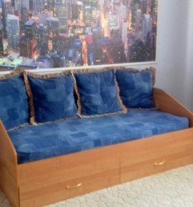 Кровать б/у. Размер спального места 190/95.