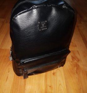 Кожаный рюкзак( Новый )