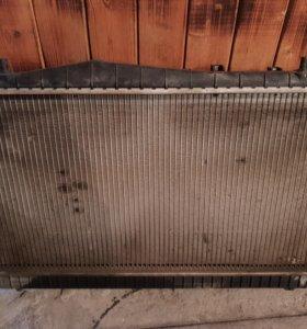 Радиатор охлаждения б/у